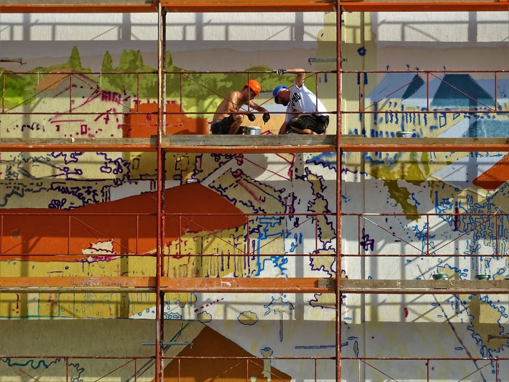 workers while in the scaffolding